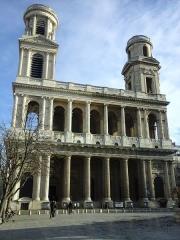 Eglise Saint-Sulpice - Vue de la façade avant de l'église Saint-Sulpice et de ses tours asymétriques, oeuvre d'une succession d'architectes de Servandoni à Jean-François-Thérèse Chalgrin.