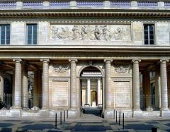 Ancienne académie de chirurgie, actuellement Faculté de Médecine (Université Paris V-René Descartes) - French architect