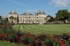 Palais du Luxembourg, actuellement Sénat - Deutsch: Der Jardin du Luxembourg ist ein staatlicher Schlosspark im Pariser Quartier Latin. 75006 Paris, Frankreich