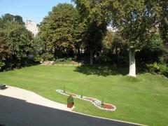 Anciens hôtels de Brienne et de Broglie, actuellement ministère de la défense - Parc de l'Hôtel de Brienne
