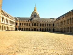 Hôtel des Invalides - Paris, France. DOME DES INVALIDES (courtyard-9)(PA00088714)