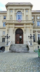 Hôtel du Ministère des Affaires Etrangères - This building is indexed in the Base Mérimée, a database of architectural heritage maintained by the French Ministry of Culture, under the reference PA00088723 .