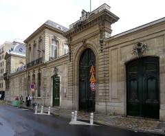 Hôtel de Pomereu - English: Lille street - Paris