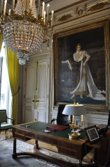 Ancien hôtel de Salm, actuel Palais de la Légion d'Honneur - This building is indexed in the Base Mérimée, a database of architectural heritage maintained by the French Ministry of Culture,under the reference PA00088793 .