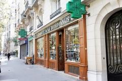 Pharmacie -  La pharmacie, 54 rue de la Bourdonnais, inscrit aux monuments historiques.