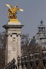Pont Alexandre III -  Vue de détail du pont Alexandre III.