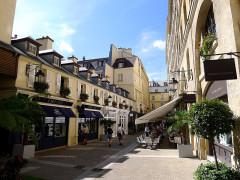 Cité Berryer - English: Royal village - Paris