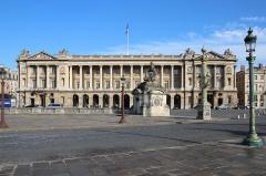 Ancien Garde-Meuble, actuellement ministère de la Marine ou Hôtel de la Marine - English: Hôtel de la Marine on the Place de la Concorde in Paris, France.