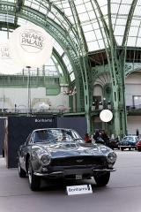 Grand Palais -   Vue du grand Palais lors de la vente Bonhams 2013.  Une Aston Martin DB4GT.