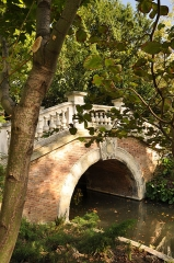 Parc Monceau - English: Bridge of the Parc Monceau in Paris 8th arrondissement, France.
