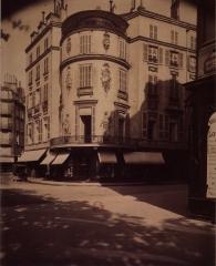Immeuble ou ancien Hôtel de la Haye - English: Mansion Marin-Delahaye at the junction of the boulevard de la Madeleine and the rue de Caumartin, Paris 9th arr.)