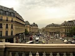 Théâtre national de l'Opéra, dit opéra Garnier - Română: Paris, France. OPERA GARNIER. (Vedere din balconul Operei spre Place d'Opera si Avenue d'Opera)(PA00089004)
