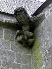 Chapelle Notre-Dame-de-Pitié - Français:   Chapelle Notre-Dame-de-Pitié de Boqueho (22). Gargouille.