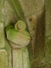 Chapelle Notre-Dame-de-Pitié - Français:   Chapelle Notre-Dame-de-Pitié de Boqueho (22). Ange au phylactère à l\'intérieur du clocher-porche.