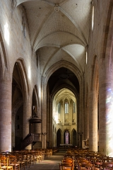 Eglise Saint-Malo - English:  Nave of the church of Saint Malo in Dinan (France)