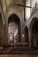 Eglise Saint-Malo - English:  Choir and nave of the church of Saint Malo in Dinan (France)