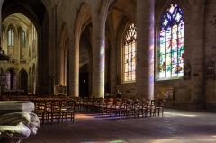 Eglise Saint-Malo - Français:  Bas-côté sud et nef de l'église Saint-Malo de Dinan (France)