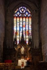 Eglise Saint-Malo - Français:  Croisillon nord de l'église Saint-Malo de Dinan (France) - Mort et couronnement de la Vierge, baie 17, (Denis 1875)