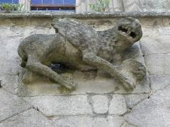 Eglise Saint-Sauveur - Façade ouest de la basilique Saint-Sauveur de Dinan (22). Rez-de-chaussée. Lion ailé de Saint-Marc.