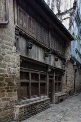 Maison - Français:  Façade de la maison à pans de bois au 8 rue de la Cordonnerie à Dinan (France)