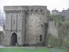 Remparts, tours et portes de la ville - Porte Saint-Malo de l'enceinte médiévale de Dinan (22).