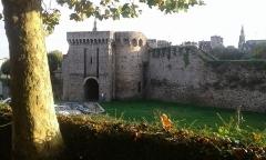 Remparts, tours et portes de la ville - porte St Malo - Dinan -