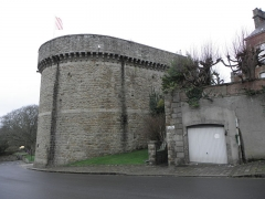 Remparts, tours et portes de la ville - La Tour de Coëtquen de l'enceinte fortifiée de Dinan (22).