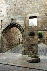 Tour de l'Horloge - Italiano: arco di accesso alla torre dell'orologio, Dinan