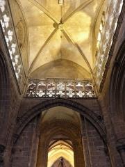 Eglise Notre-Dame du Bon-Secours - Arc diaphragme de la basilique Notre-Dame de Bon-Secours de Guingamp (22).