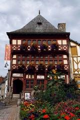 Maison dite du Bourreau - Français:   La maison du Bourreau à Lamballe (Côtes d\'Armor), abritant le musée Mathurin-Méheut.