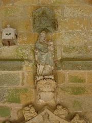 Eglise Saint-Loup - Français:   Église Saint-Loup de Lanloup (22). Porche sud. Vierge à l\'Enfant.