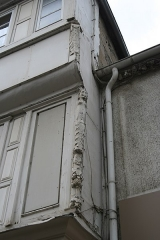 Maison du 16e siècle - Français:   Maison du XVIe siècle à Lannion, 7 rue Émile Letaillandier.