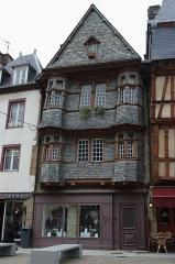 Maison du 16e siècle, dite Maison du Chapelier - Français:   La maison du Chapelier à Lannion.