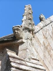 Chapelle Saint-Roch - Français:   Détail d\'un décor de la toiture de la Chapelle Saint-Roch à Lannion
