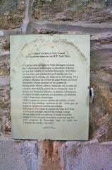 Ruines de l'ancien prieuré royal de Saint-Magloire - Intérieur de l'abbatiale Saint-Magloire de Léhon (22). Dalle du tombeau du R.P. Patris Natalis Mars