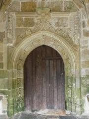 Eglise Saint-Yvi de Loguivy - Français:   Porte du porche sud de l\'église de Loguivy-lès-Lannion, commune de Lannion (22).
