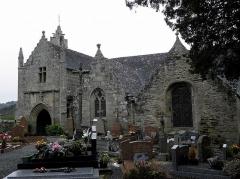 Eglise Saint-Yvi de Loguivy - Français:   Flanc sud de l\'église de Loguivy-lès-Lannion, commune de Lannion (22).
