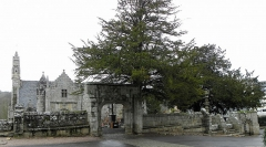 Eglise Saint-Yvi de Loguivy - Français:   Enclos paroissial de Loguivy-lès-Lannion, commune de Lannion (22).