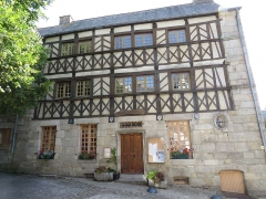 Maisons - This building is indexed in the Base Mérimée, a database of architectural heritage maintained by the French Ministry of Culture,under the reference PA00089338 .