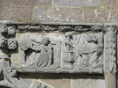 Chapelle de Notre-Dame de la Clarté - Français:   Chapelle Notre-Dame-de-la-Clarté en Perros-Guirec (22). Annonciation sculptée au porche sud.