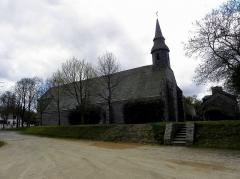 Chapelle de Kermaria-an'Isquit - Chapelle de Kermaria-an-Isquit, commune de Plouha (22). Flanc nord.