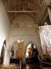 Eglise Sainte-Catherine - Intérieur de l'église Sainte-Catherine de La Roche-Derrien (22). Croisillon sud.