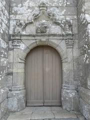 Eglise Saint-Gilles - Français:   Église Saint-Gilles de Saint-Gilles-les-Bois (22). Porte occidentale.