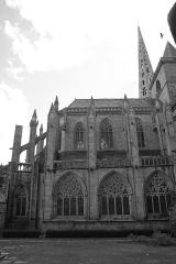 Ancienne cathédrale Saint-Tugdual et cloître - Français:   Cathédrale Saint-Tugdual de Tréguier - Tréguier - Côtes d\'Armor - France. Chevet et flanc nord du chœur.