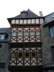 Maison - Français:   Maison sise 14 Rue de la Chalotais à Tréguier (22).