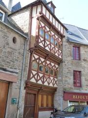 Maison - Français:   Maison au n° 14 de la rue Chalotais (Tréguier)