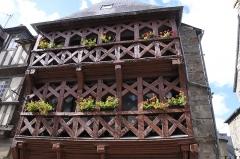 Maison - Français:   Maison à colombages rue Colvestre à Tréguier, Côtes-d\'Armor (22)