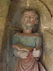 Eglise Notre-Dame de la Merci - Porche sud de l'église Notre-Dame-de-la-Merci de Trémel (22). Apôtre.