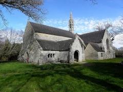 Chapelle de Perguet - Chapelle Sainte-Brigitte de Perguet en Bénodet (29). Façade occidentale et flanc sud.
