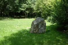 Menhir de Poulquer - This building is inscrit au titre des monuments historiques de la France. It is indexed in the base Mérimée, a database of architectural heritage maintained by the French Ministry of Culture,under the reference PA00089832 .